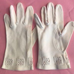 Vintage cream silk gloves